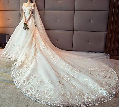 Vestito da sposa coda lunga